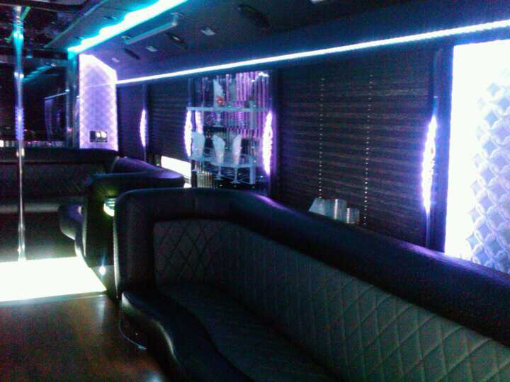 Party Bus 27 Pax nterior design